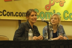 Lauren Cohan and Emily Kinney at Tampa Bay Comic Con
