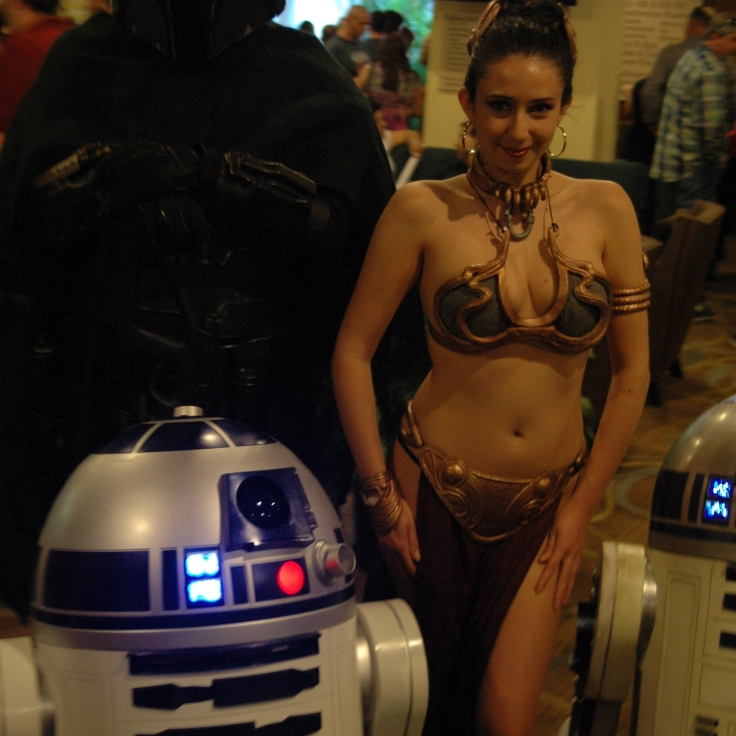 R2D2 and Slave Leia